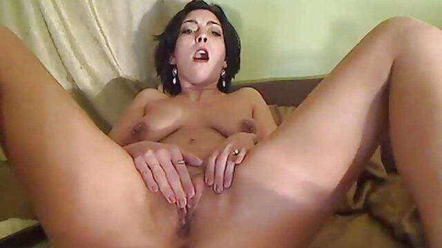 massagem com madeixas intensas e sensuais para a linda russa de cabelo vídeo pornô as brasileiras escuro